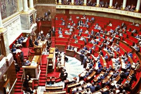http://www.paris-move.com/fck_upload/image/A%20VOIR%20ABSOLUMENT/Assemblee_nationale.jpg